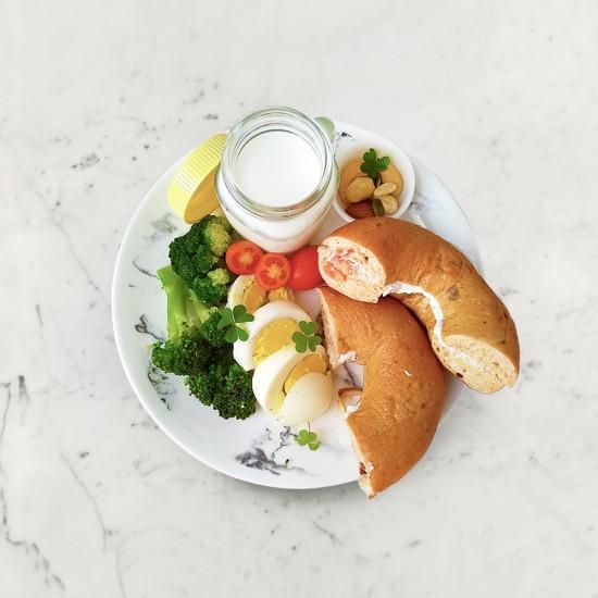 柚肉果醋_柚子乳酪抹醬貝果
